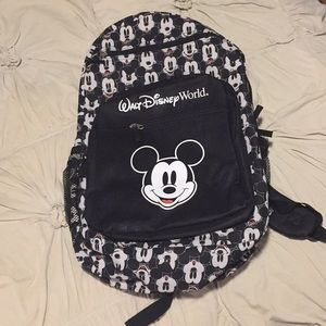 NWT Disney Park Mickey Mouse Backpack